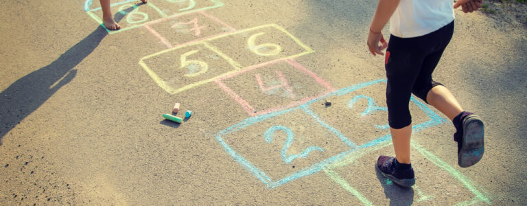 Encouraging Outdoor Play can Greatly Benefit Your Child!